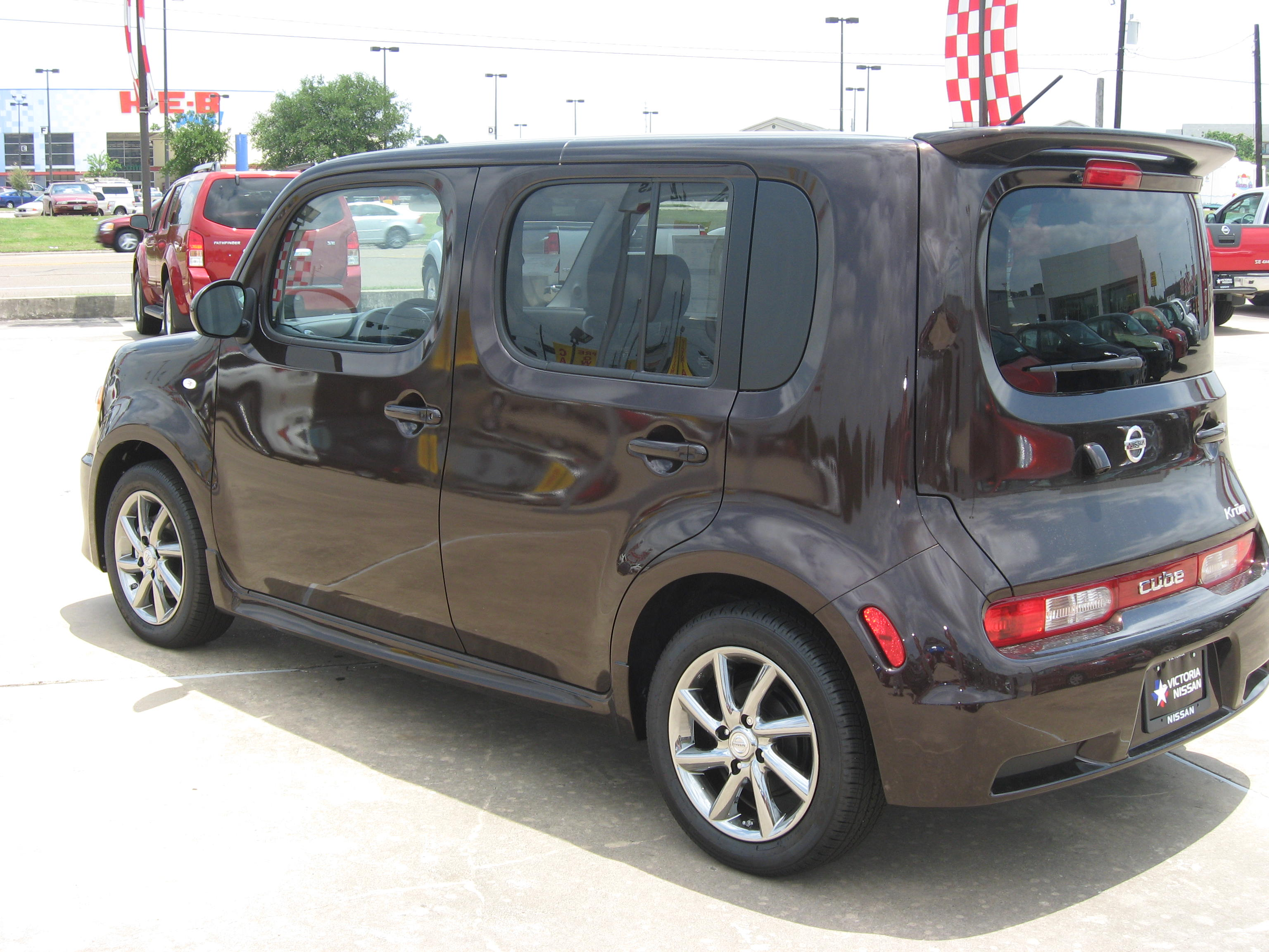 2010 nissan cube dare to be different victoria nissan news vanachro Choice Image